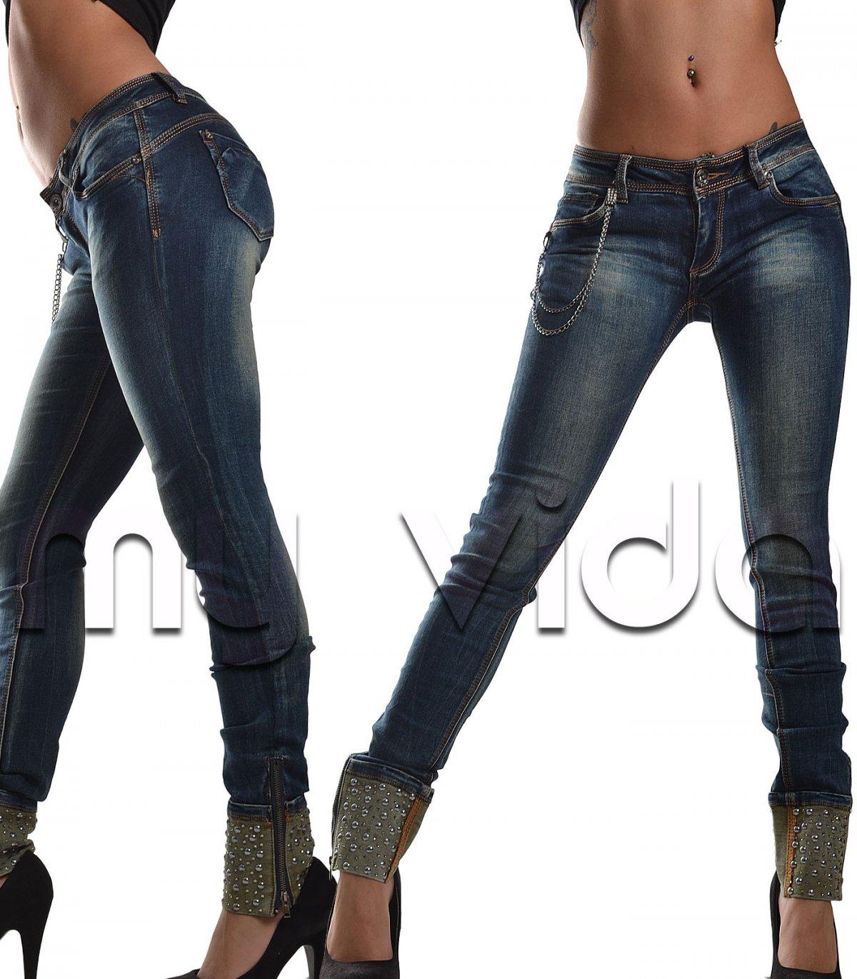 c5af0dee47 Jeans elasticizzato con risvolti zip e borchie | My Vida